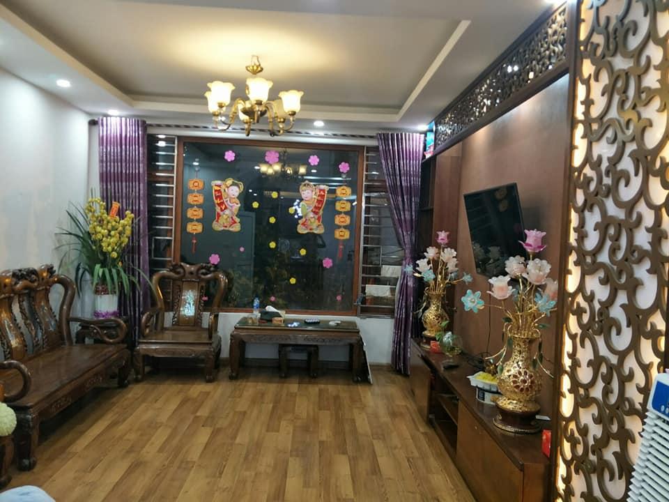 Nhà 5 tầng mặt phố Bà Triệu, Hà Đông, 50m2, kinh doanh sầm uất, 7.2 tỷ.