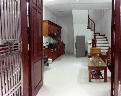 Chính chủ bán gấp nhà ngõ 27 Võ Chí Công, 35m2 5 tầng, mặt tiền 5m giá 3,1 tỷ.
