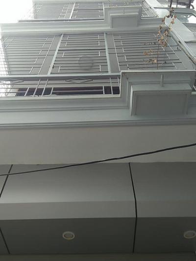 Cần bán gấp nhà Nguyễn Đổng chi 45m2 5 tầng mặt tiền 4.2m, 3.6 tỷ.