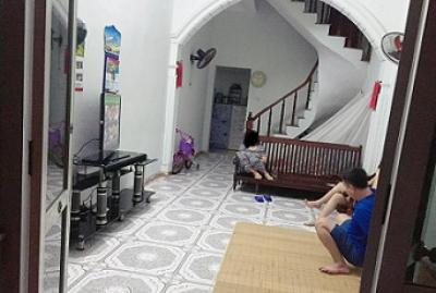 Rất hiếm!Ô tô đỗ cửa, bán đất tặng nhà 4 tầng quận Thanh Xuân 30m2 chỉ 3,1 tỷ 0965041412