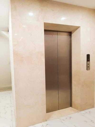 RẤT HIẾM!chung cư mini sáu tầng thang máy 35tr/th.0913781956