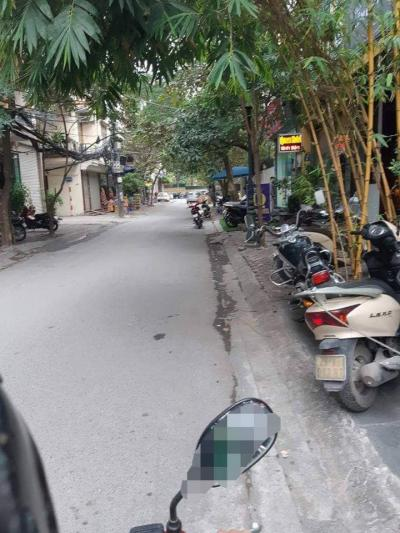 Bán gấp nhà Thái Thịnh Gara, thang máy xịn kinh doanh khủng. Lh em Quý 0868190957.