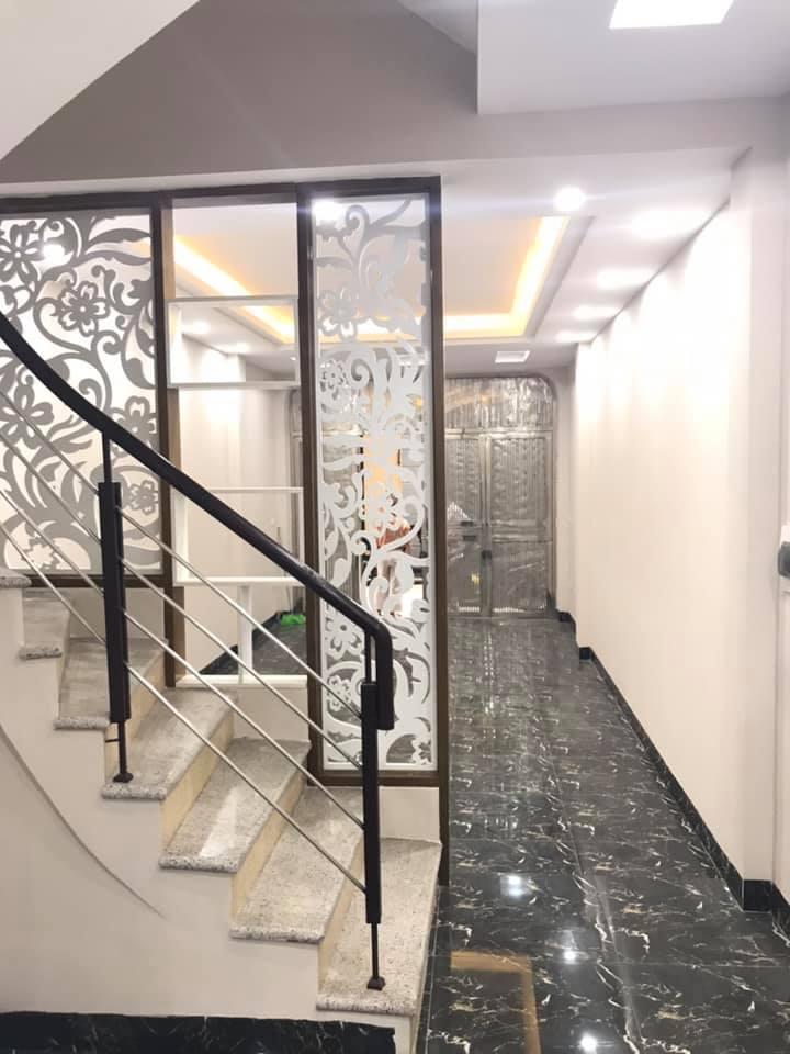 Bán nhà phố Lê Trọng Tấn, phân lô, gara ô tô, 53m2x5T, 8.1 tỷ.