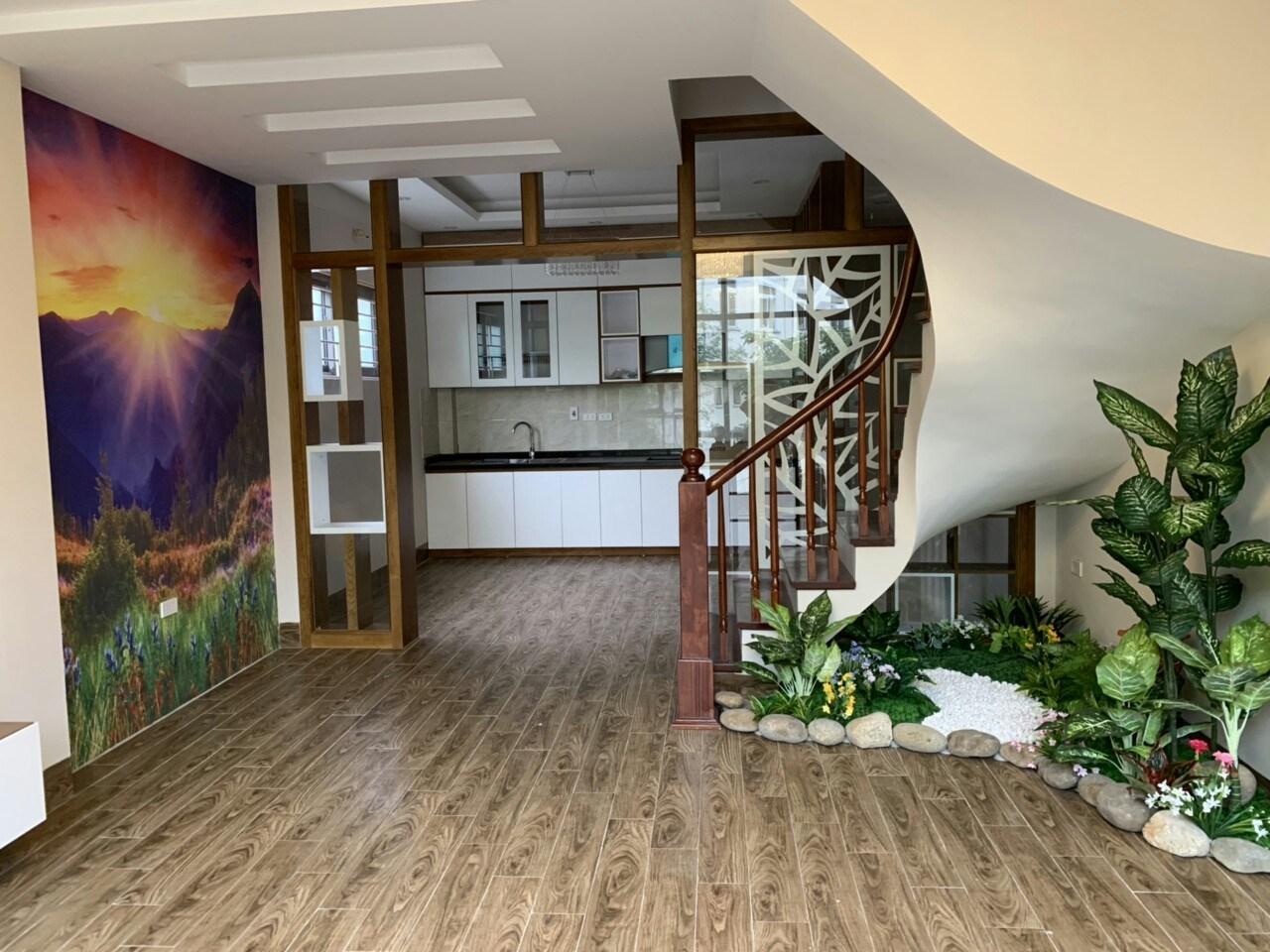 Bán nhà mặt phố Nguyễn Ngọc Nại, Q.Thanh Xuân, 47m2x6T, MT 4.5m, 11.9 tỷ.
