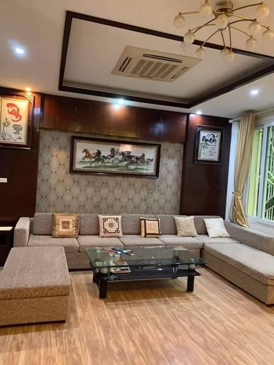 Bán nhà phố Vũ Tông Phan, tặng nội thất Châu Âu, dân trí cao, 52m2x5T, 6.5 tỷ.