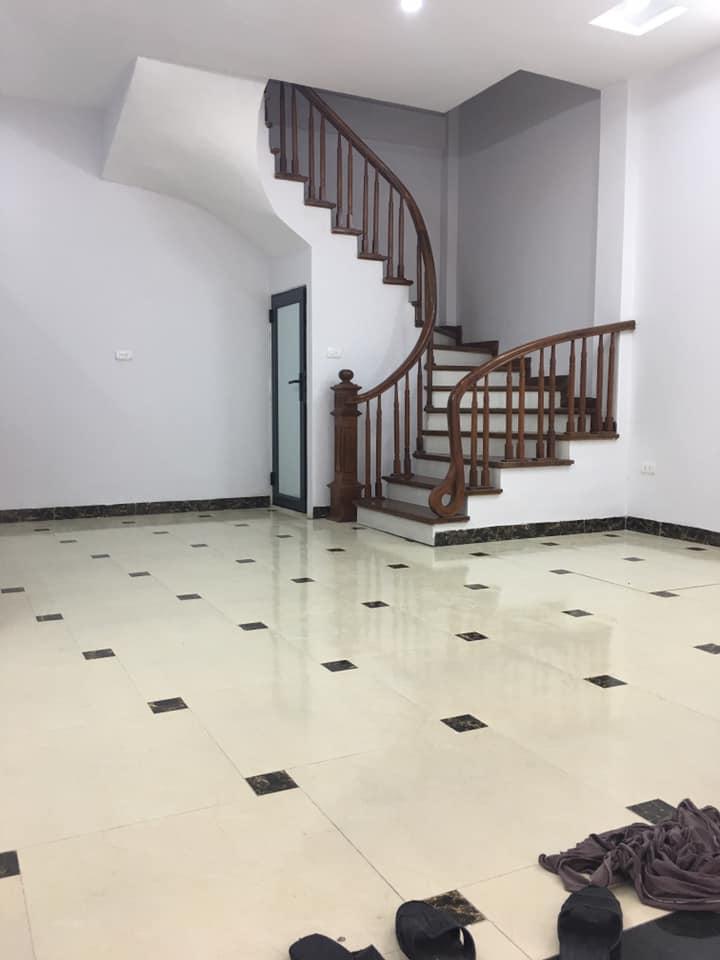 Bán nhà mới Ngõ Quỳnh, Hai Bà Trưng, 5 tầng lung linh, hiện đại. giá 3.4 tỷ.