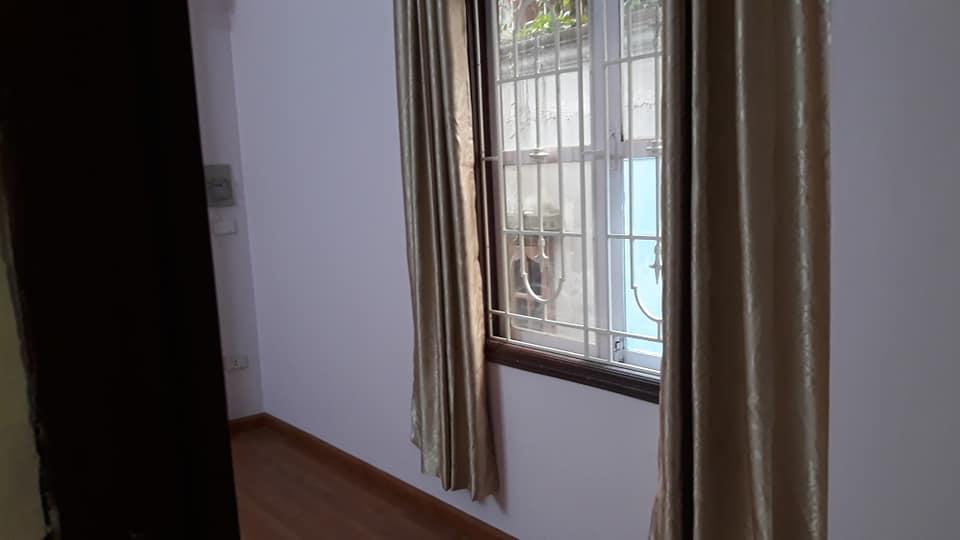 Bán nhà phố Trương Định, Hai Bà Trưng, ở luôn, chỉ 2.4 tỷ, 30m2x4T, SĐCC.