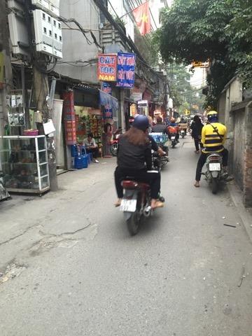Lô góc Trung Kính, ngõ Taxi: 110m2, mt6m, nở hậu, , KD nhỏ tốt, tiện xây CCMN: 7.8 tỷ