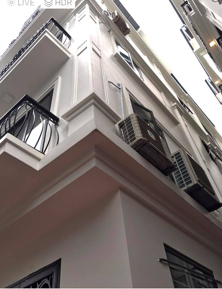 Bán nhà mới tinh Bát Khối Long Biên giá 2 tỷ 5x30m2x5 tầng,MT 4m, lh 0968181902.