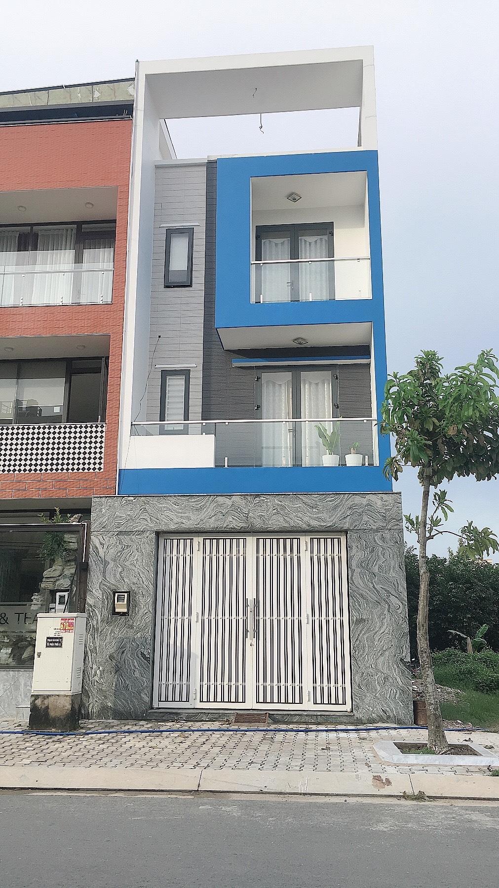 Chủ nhà bán lỗ căn nhà 123,7M2, 3 tầng, đường rộng 16 mét,giá chỉ bằng giá đất.