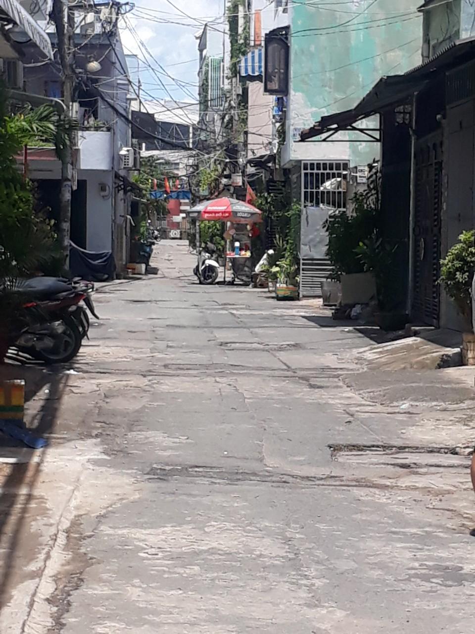 Bán Nhà Phạm Văn Bạch , 3 Bước ra BigC Trường Chinh P15 ,TB 30 M2 Chỉ 3,5 TỶ